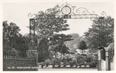 View of entrance to Northolme Gardens