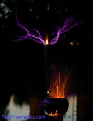Tesla Coil SRSG Rocket1 Sparks